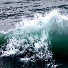 Green wall (ktq2) Tags: ocean wave water sea tackingpoint newsouthwales