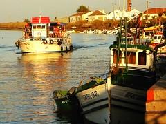 deep south IX (*F~) Tags: ocean people water river boats south sunday algarve riaformosa tavira deepsouth algharb ilhadetavira taviraisland