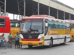 Yellow Bus Line A-5 (Monkey D. Luffy 2) Tags: bus yellow space line universe hyundai society luxury davao marbel philippine enthusiasts gensan a philbes