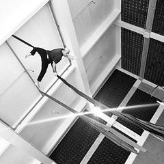 TECIDO - ACROBACIA AÉREA NA ACADEMIA VOLTZ PARKOUR (Voltz Parkour) Tags: de academia parkour aérea voltz tecido aéreo acrobacia aéreos