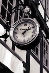 Tempus Fugit (patrickmai875) Tags: bw white black clock canon 50mm time future monochrom f18 past schwarz zeit tempus uhr 6d vergangenheit zukunft weis fugit