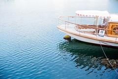 Hobart - A Boat in the Harbour (Milo R.) Tags: leica film analog 35mm boat australia tasmania hobart m6 leicam6 meinfilmlab