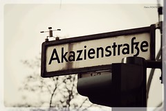 The Cork Man - Berlin (DE) (pietro_pontieri) Tags: berlin germany schneberg puppet cork berlino steets sughero akazienstrasse