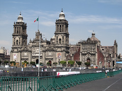 "Mexico City: la Cathédrale Métropolitaine de Mexico <a style=""margin-left:10px; font-size:0.8em;"" href=""http://www.flickr.com/photos/127723101@N04/25130595720/"" target=""_blank"">@flickr</a>"
