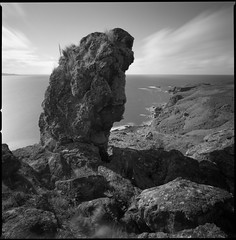 Grulin Uachdrach (Mark Rowell) Tags: bw 120 6x6 film mediumformat scotland highlands hasselblad swc 903 eigg grulinuachdrach