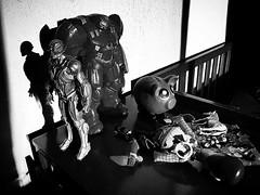 Toys (Kazyel) Tags: shadow blackandwhite blancoynegro toy toys bedroom shadows woody sombras juguetes ultron recmara hulkbuster