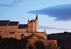 Alczar de Segovia (Enrique del Barrio) Tags: segovia alcazar xii historia anochecer castillos siglo