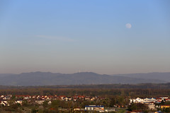 IMG_1639 (D.Phil) Tags: mond am natur himmel aussicht blick kaiserstuhl blauer frhling weinberge ihringen weitblick