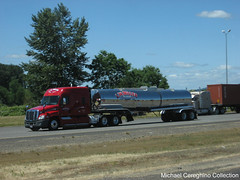 L.W. Miller Transporation Freightliner Cascadia mid-roof with tanker (Michael Cereghino (Avsfan118)) Tags: roof truck miller transportation trailer mid tanker lw trucking sleeper cascadia freightliner midroof