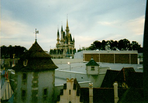 "Walt Disney World Skyride (1996) • <a style=""font-size:0.8em;"" href=""http://www.flickr.com/photos/28558260@N04/26210721140/"" target=""_blank"">View on Flickr</a>"