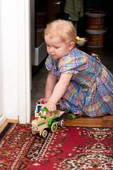 DSC_1180.jpg (Kaminscy) Tags: birthday girl fun toy traktor room poland warszawa zabawa pl dziewczynka dziecko ambulans mazowieckie zabawka 2urodziny kingakaminska pokoj