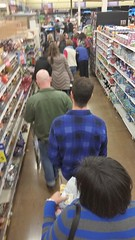 Christmas  Eve shopping. (sylviagreve) Tags: 2014 christmas shopping fredmeyer