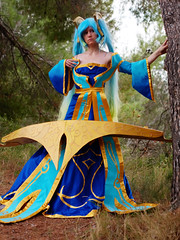 Shooting Sona - League of Legends - Miramas Le Vieux - 2015-12-27- P1260534 (styeb) Tags: blue shoot cosplay lol shooting xml legend league decembre sona retouche 2015 modelneiru