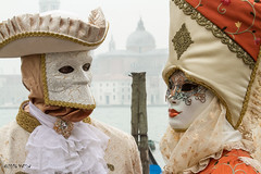 Carnaval Venise 2016-5912 (yvesw_photographies) Tags: street carnival italy shoot italia parade chapeaux carnaval venise venezia venedig personnes italie masque fasnacht masqué streetshoot carnavaldevenise2016