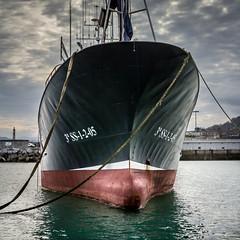 Chalutier (flo40140) Tags: ocean port canon boat bateau tamron lightroom urbain paysbasque tamron1750 canon60d