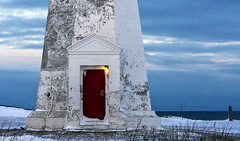 Lighthouse red door (Danny VB) Tags: ocean door blue winter light sky lighthouse snow canada cold architecture clouds canon eos frozen quebec lumire freezing reddoor bleu freeze 7d locked phare gaspesie canadianwinter closeddoor lockeddoor porterouge hivercanadien capdespoir canoneos7d canon7d