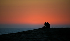 The Lovers (Pete Foley) Tags: california sunset beach orangecounty thewedge littlepictures overtheexcellence picswithsoul