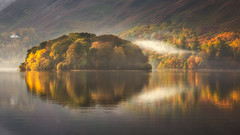 Serenity (Vemsteroo) Tags: uk morning travel autumn reflection water beautiful sunrise canon landscape outdoors northwest derwent lakedistrict tranquility glorious cumbria fells 5d serene derwentwater keswick tranquil 70200mm mkiii borrowdale circularpolariser visitengland leefilters visitbritain