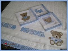 toalha de banho/ panos de boca (Joanninha by Chris) Tags: baby azul handmade artesanato beb bordado ursinho enxovalbebe enxovalmenino aplicaodetecidos