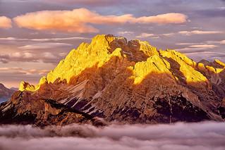Lichteinfall in den Südtiroler Alpen