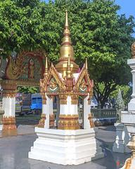 Wat Ratcha Thanee Phra Ubosot Boundary Stone Shrine (DTHST0220) วัดราชธานี ที่บูชาเสมา พระอุโบสถ