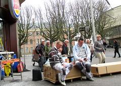 Lunch break (theo_vermeulen) Tags: denhaag thehague spuistraat