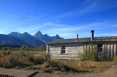 Bill Menor's Cabin and Grand Tetons, Menor's Ferry Historical District - Grand Teton National Park, Wyoming (danjdavis) Tags: mountains nationalpark cabin rockymountains wyoming grandtetons grandteton grandtetonnationalpark teewinot mountowen nezpercepeak menorsferryhistoricaldistrict