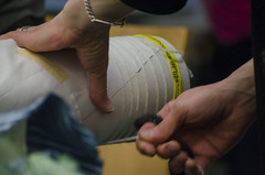 3/23/16 - Boston, MA - Fiber artist Amy Nguyen demonstrates shibori (Japanese resist dye) techniques at the Museum of Fine Arts on Mar 23, 2016. (Ray Bernoff / The Tufts Daily) (consolecadet) Tags: art boston mfa crafts fabric textiles dyeing museumoffinearts shibori fiberarts amynguyen resistdyeing
