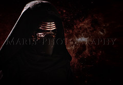 KYLO REN (Marly's Photography) Tags: red black girl canon de photography eos star la model war colours chica force arte photos cosplay negro softness el estudio modelo fotos ren shooting wars cosplayer montaje fotografia universe fondo marly stoner fotografa intercambio universo despertar 2016 fuerza fotgrafos yoan maitane awakens reportaje tfcd 450d kylo
