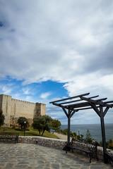 Spain - Malaga - Fuengirola - Castle (Marcial Bernabeu) Tags: espaa cloud castle clouds bench andaluca spain cloudy banco andalucia nubes nublado andalusia malaga castillo fuengirola mlaga bernabeu pergola marcial bernabu prgola nuboso