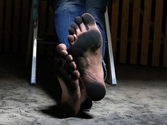 dirty party feet 563 (dirtyfeet6811) Tags: feet barefoot soles dirtyfeet dirtysoles blacksoles