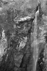 Cascata a Introd (MarcYz184) Tags: blackandwhite bw nikon bn biancoenero valdaosta introd nikontop