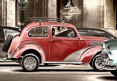 Ready to go ... (Jodi Newell) Tags: red canon outdoors streetlight teal havana cuba turqouise classiccars lahabana jodinewell jodisjourneys jodisjourneysphotosgmailcom