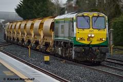221+086 pass Hazelhatch, 2/4/16 (hurricanemk1c) Tags: irish train gm rail railway trains 221 railways irishrail 201 generalmotors hobs 2016 emd iarnrd d3200 ireann iarnrdireann highoutputballastsystem hazelhatchandcelbridge 1735heustonkildare