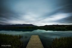 Pau (vilchesdavid) Tags: longexposure sky reflection clouds lago llac banyoles largaexposicin nikond7100