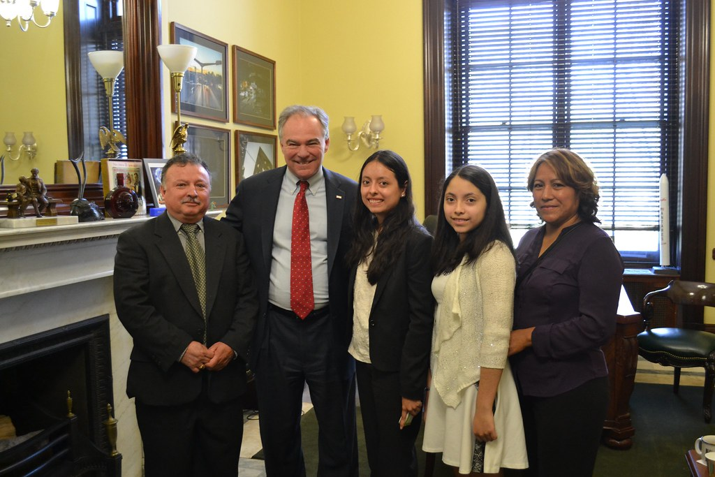 Kaine Meets With Arlington Family Impacted By Immigration Executive Actions