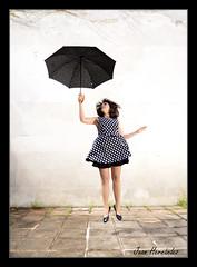 6301bcami (Pag...Juan Hernndez) Tags: woman nikon juan paraguas hernandez levitar flotar volar d610 elevar