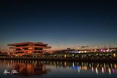 Vels e Vents (Alfonso Beltran) Tags: sunset reflection atardecer cielo reflejos valenciaspain puertovalencia