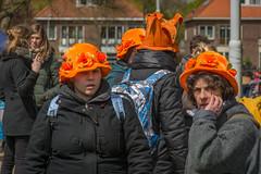 hoeden (stevefge (away travelling)) Tags: park girls people orange netherlands nijmegen candid nederland oranje goffertpark koningsdag nederlandvandaag reflectyourworld