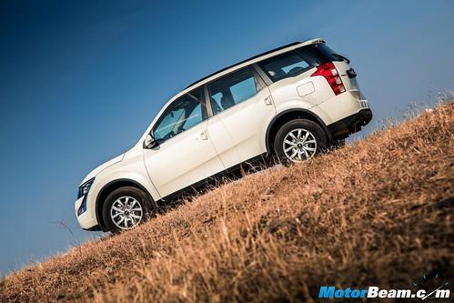 Mahindra-XUV500-Automatic-4
