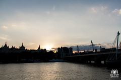 Golden Jubilee Bridges (andrea.prave) Tags: uk bridge sunset england london westminster thames river atardecer zonsondergang tramonto sonnenuntergang fiume londonbynight prdosol londres londra  embankment solnedgang inghilterra tamigi solnedgng puestadelsol   coucherdusoleil    goldenjubileebridges