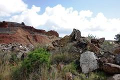 Huella minera 8241 (Gabriel Navarro Carretero) Tags: colors mine minas stones colores remains piedras restos minerales minera launin sierraminera