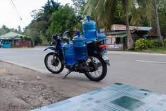 2016_03_09 Panglao (13) (paz_pascual) Tags: mar agua moto bohol isla filipinas panglao motocarro potable pazpascual