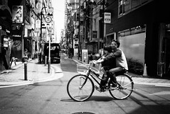 Father (Jiajun Yang) Tags: street leica people japan zeiss father streetphotography m82 monochrone
