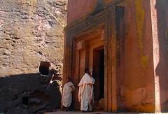 Ethiopia-Lalibela-San Giorgio (venturidonatella) Tags: africa people church portraits persone chiesa priest ethiopia sangiorgio lalibela tufo etiopia religione chiesarupestre