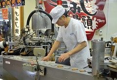 Making Momiji Manju (jpellgen) Tags: food japan japanese spring nikon sigma hiroshima miyajima momiji foodporn sweets  nippon   nihon manju confections itsukushima  manjyu  honshu 2016   hatsukaichi momijimanju chugoku 1770mm  d7000