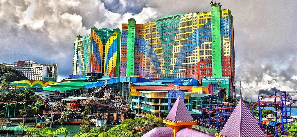 First World Hotel