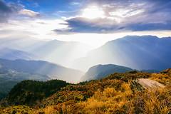 Mt. Hehuan (Cheng-Yang, Chen) Tags: mountain sunrise taiwan rays    hehuanshan  mthehuan  mtshimen