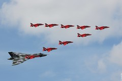 Avro Vulcan XH558 in formation with the Red Arrows during its last Royal International Air Tattoo participation, Fairford UK (Jeroen.B) Tags: show red tattoo flickr britain spirit air great royal international final arrows vulcan avro ffd fairford riat 2015 xh558 of egva gvlcn riat2015