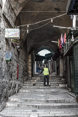 Gerusalemme 2015 - netturbino (Fabrizio Pisoni) Tags: yellow stair strada places giallo suq gerusalemme luoghi scalinata 2015 terrasanta netturbino